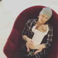Pink, ici en plein coup de fatigue avec bébé, et son mari Carey Hart sont devenus en décembre 2016 parents d'un second enfant, Jameson. Photo Instagram.