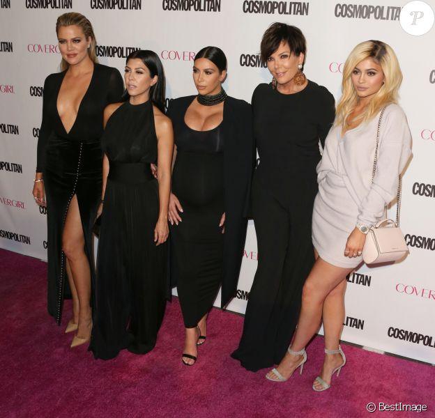 Khloe Kardashian, Kourtney Kardashian, Kim Kardashian enceinte, Kris Jenner, Kylie Jenner à la soirée du 50ème anniversaire de la revue féminine 'Cosmopolitan' à West Hollywood, le 12 octobre 2015