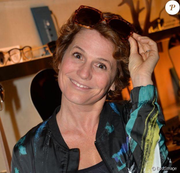 """Exclusif - Maureen Dor - Lancement de la marque de lunettes """"Nathalie Blanc"""" au restaurant """"Ma Cocotte"""" à Saint-Ouen le 24 septembre 2015."""