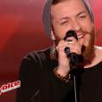 "Nicola Cavallaro dans ""The Voice 6"" sur TF1 le 1er avril 2017."