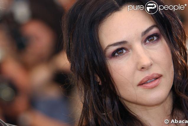 Monica bellucci itin raire d 39 une actrice g t e par la for Les plus belles douches italiennes