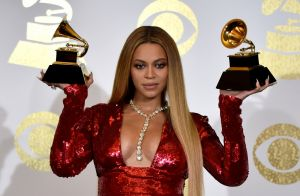 Beyoncé enceinte de jumeaux : La star dévoile de très jolies rondeurs à Pâques