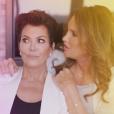 """Caitlyn Jenner avec son ex-femme Kris Jenner dans une photo promotionnelle pour sa télé-réalité """"I Am Cait"""" en avril 2016"""