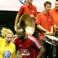 """Lorie et Mc Solaar à la 7ème édition de """"Foot-Concert"""" au Palais des sports de Lyon au profit de l'association """"Huntington Avenir"""", à Lyon, le 12 0ctobre 2013."""