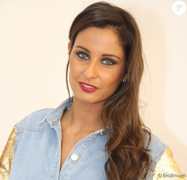 """Malika Ménard (Miss France 2010) lors de la soirée de lancement des produits cosmétiques """"L.A. Girl Paris"""" au 32 rue Faubourg Saint-Martin à Paris, France, le 26 novembre2016. © Baldini/Bestimage"""