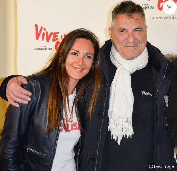 """Emmanuelle Boidron et Jean-Marie Bigard - Avant-première du film """"Vive la crise !"""" au cinéma Max Linder à Paris le 2 mai 2017. © Coadic Guirec/Bestimage"""