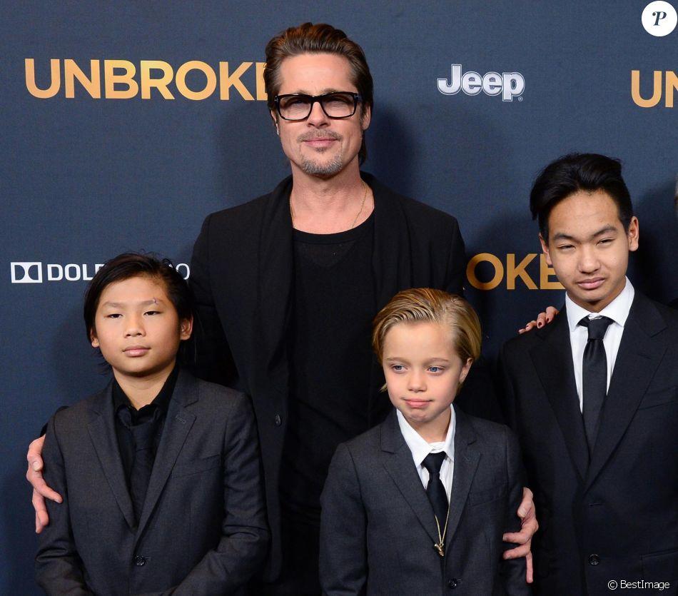 """Brad Pitt, Maddox Jolie-Pitt, Pax Jolie-Pitt et Shiloh Jolie-Pitt à la première du film """"Unbroken"""" à Hollywood, le 15 décembre 2014"""