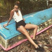 Tal : Micro-short, bikini et brassière... Ses vacances sexy au Costa Rica