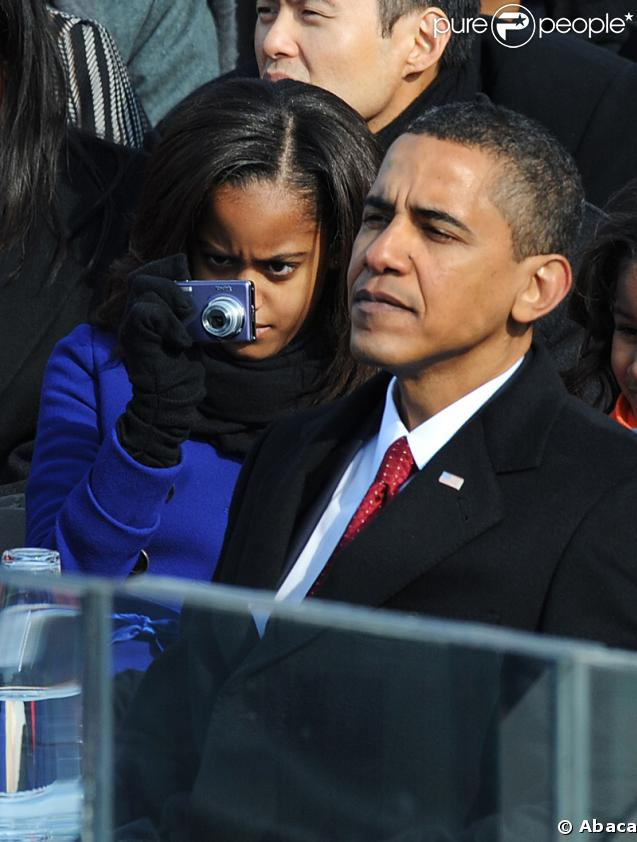 http://static1.purepeople.com/articles/5/23/45/5/@/161358-malia-et-barack-obama-lors-de-637x0-3.jpg