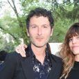 Simon Buret et Lou Doillon - Dîner de lancement de l'Eau de Parfum Miss Dior au Château de la Colle Noire. Montauroux, le 15 mai 2017.