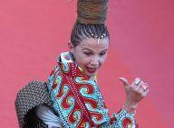 Victoria Abril : Son look complètement dingue n'est pas simple à gérer à Cannes