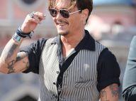 """Johnny Depp """"va mieux"""" : La preuve, il """"flirte"""" à nouveau avec des filles"""
