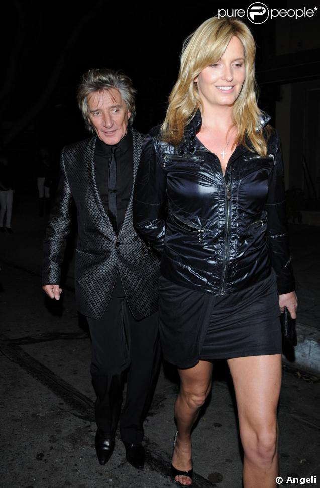 Penny Lancaster promène Rod Stewart