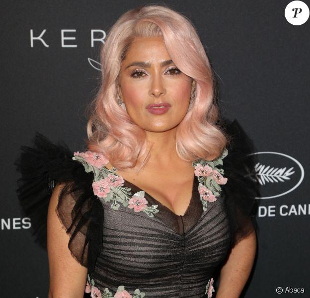 """Salma Hayek - Le Festival de Cannes et le groupe Kering organisent le dîner de la présidence en l'honneur du programme """"Women in Motion"""", qui récompense les femmes de l'industrie du cinéma lors du 70ème Festival International du Film de Cannes, France, le 21 mai 2017. © Kering/Bestimage"""