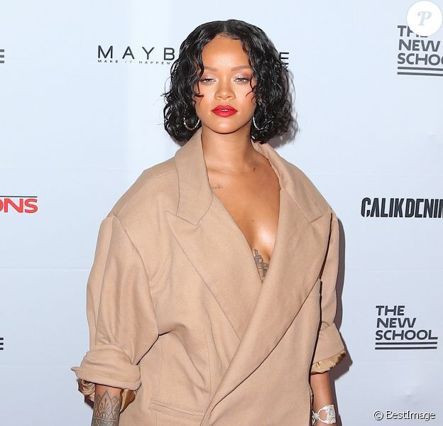 Rihanna assiste à la 69e édition du Parsons Benefit au Pier 60 à New York, le 22 mai 2017 © Morgan Dessalles/Bestimage