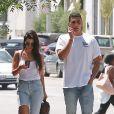 Exclusif - Kourtney Kardashian et Younes Bendjima se baladent dans les rues de West Hollywood. Les 2 amis semblent vraiment très proche... Le 2 mai 2017