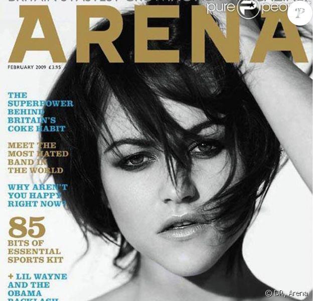 Jaime Winstone en couverture du magazine Arena, dans lequel on peut trouver les photos de Jamie Gunns