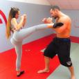 Kim Glow en mode MMA avec son chéri Sylvain Potard le 28 mai 2017 à Paris, son postérieur choque !