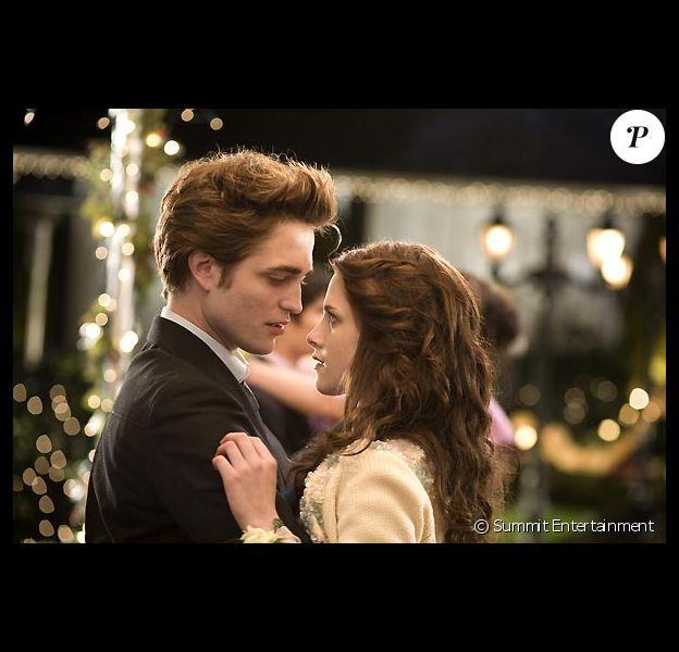 """Robert Pattinson et Kristen Stewart dans """"Twilight - Chapitre 1 : Fascination"""", sorti en 2008 au cinéma."""