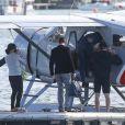 Exclusif - Pippa Middleton et son mari James Matthews partent du port de Sydney en hydravion avec des amis pour se rendre à Cottage Point, Australie, le 31 mai 2017.