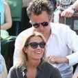 Anne-Sophie Lapix et son mari Arthur Sadoun - People dans les tribunes lors de la finale des Internationaux de tennis de Roland-Garros à Paris, le 7 juin 2015.