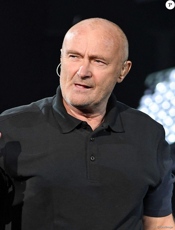 Phil Collins lors de la cérémonie d'ouverture de l'US Open 2016 au USTA Billie Jean King National Tennis Center à Flushing Meadow, New York City, New York, Etats-Unis, le 29 août 2016.