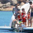 Lionel Messi et son fils Mateo, Cesc Fabregas en vacances sur un yacht avec leurs familles et des amis au large de Formentera le 12 juin 2017.