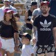 Lionel Messi, sa femme Antonella Rocuzzo et leur fils Thiago en vacances à Ibiza le 12 juin 2017.