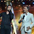 """Exclusif - Prix spécial - Amir Haddad et Nikos Aliagas pendant l'émission """"La chanson de l'année fête la musique"""" dans les arènes de Nîmes, diffusée en direct sur TF1 le 17 juin 2017. Pour la treizième édition de La Chanson de L'année, c'est l'artiste Amir avec son titre """"On dirait"""" qui a été plébiscité par les votes du public. © Bruno Bebert/Bestimage"""