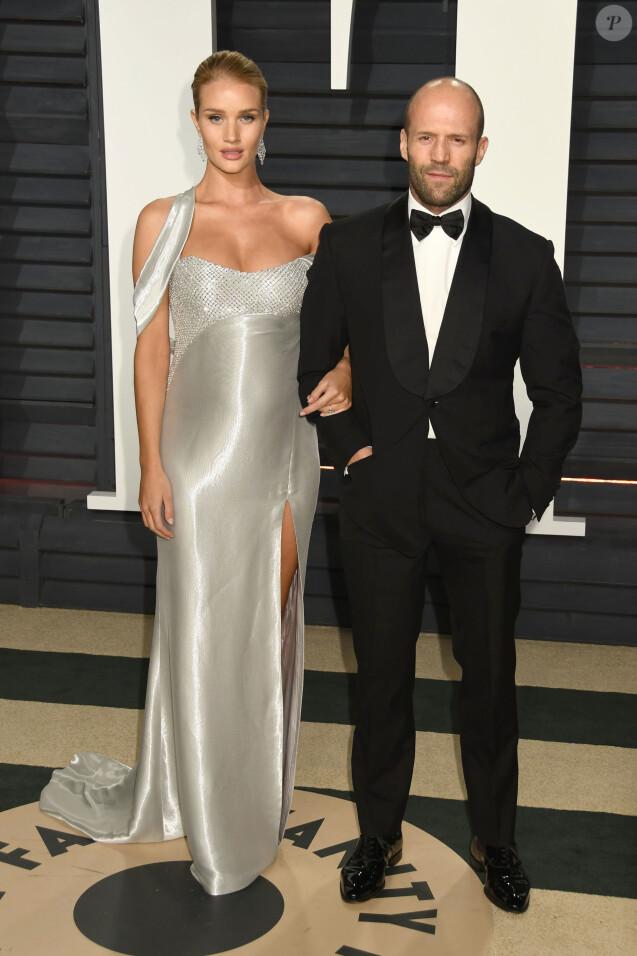 Rosie Huntington-Whiteley enceinte et son mari Jason Statham à la soirée Vanity Fair Oscar 2017 au Wallis Annenberg à Beverly Hills, le 26 février 2017 © Byron Purvis/AdMedia via Zuma/Bestimage