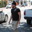 Exclusif - Jonah Hill dans les rues de Los Angeles avec des lunettes de soleil et un bonnet sur la tête Le 13 mai 2017