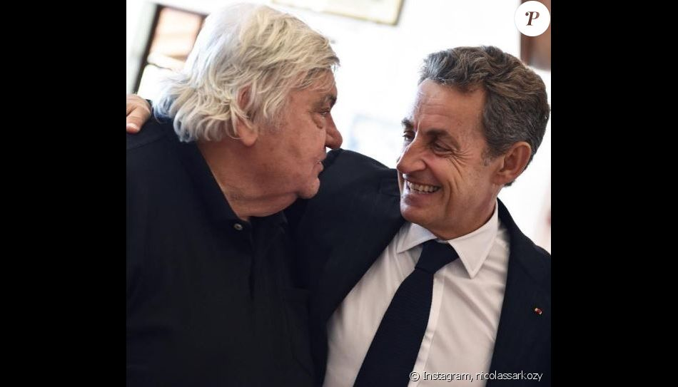 Nicolas Sarkozy rend hommage à Louis Nicollin sur les réseaux sociaux, décédé d'une crise cardiaque à l'âge de 74 ans le 29 juin 2017.