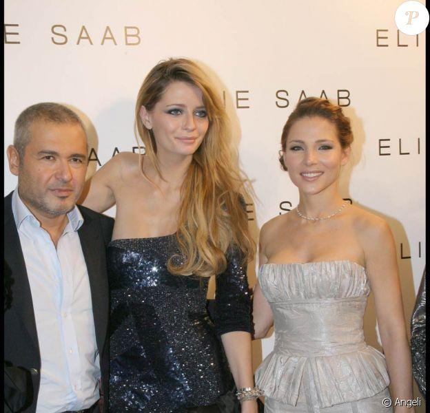 Mischa Barton adore la mode. Au défilé Elie Saab, elle a prouvé son goût pour la belle lingerie !