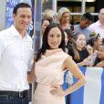 """Le nageur Ryan Lochte et Cheryl Burke posent pour la nouvelle saison de """"Dancing with the stars"""" à Times Square (NYC) le 30 août 2016"""