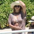 Jessica Alba passe des vacances en famille avec son mari Cash Warren et ses filles Honor et Haven à Hawaii, le 15 juillet 2017