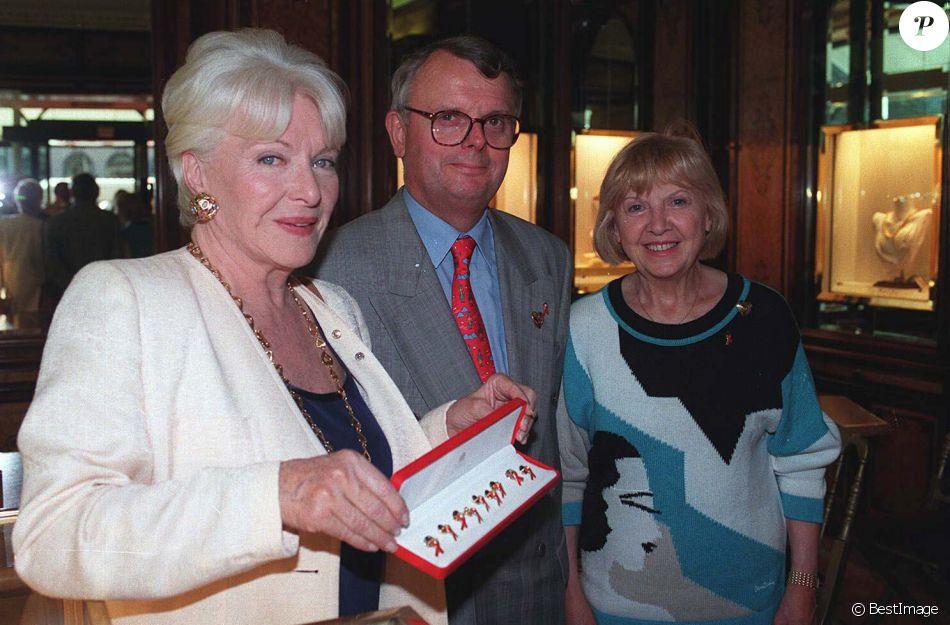 Line Renaud, Gérard Mantion et Jacqueline Cartier à Paris en 1996.