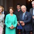 Le roi Carl XVI Gustaf et la reine Silvia de Suède en visite au palais Prince Carl à Munich le 24 juillet 2017, où la reine Silvia s'est vu remettre les insignes de l'ordre du mérite de Bavière.