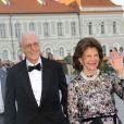 La reine Silvia et le roi Carl XVI Gustaf de Suède au 80e anniversaire de Max de Bavière à Munich le 22 juillet 2017.