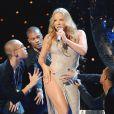 Ah, Mariah, comment dire, c'est LA diva qui se touche le plus au monde ! Alors sur scène, pourquoi ne pas mettre le paquet ?