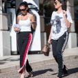 Les sosies de Kim Kardashian et Kylie Jenner, Sonia et Fyza Ali, font du shopping à Beverly Hills, le 26 juillet 2017.