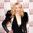 La veuve de Kurt Cobain en mode Madonna, c'est plutôt agréable à regarder !