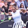 Serena Williams entame bien l'année en battant Pauline Parmentier (6-3 6-4) lors du premier tour du tournoi d'Auckland, Nouvelle-Zélande, le 3 janvier 2017.
