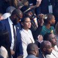 LeBron James et sa femme au combat entre Floyd Mayweather et Conor McGregor le 26 août 2017 à la T-Mobile Arena à Las Vegas.