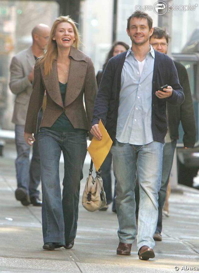 Claire Danes et son homme Hugh Dancy, très souriants à NY. 11/02/09