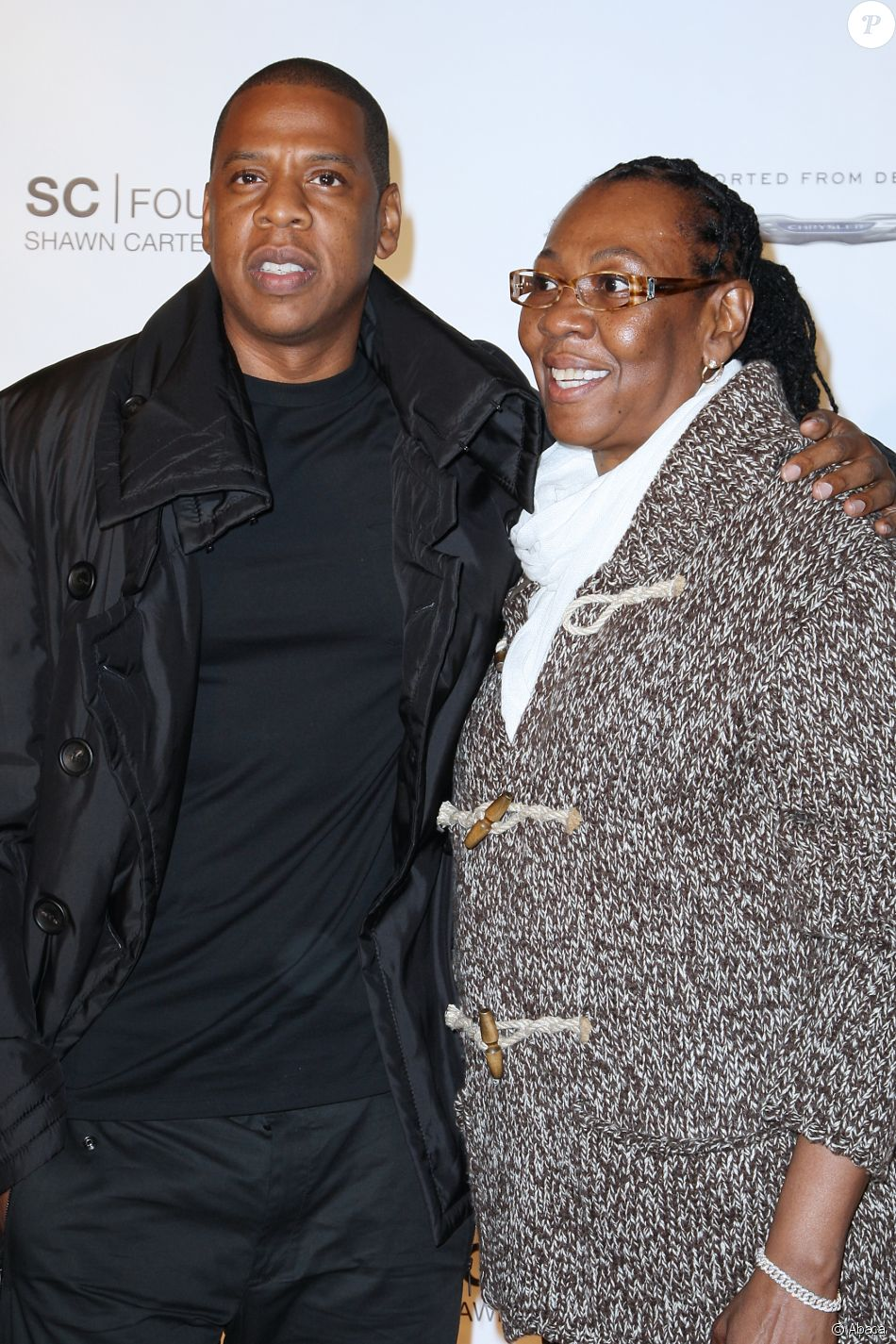 Jay-Z et sa mère Gloria Carter à la soirée de gala de la Shawn Carter Foundation à New York le 29 septembre 2011