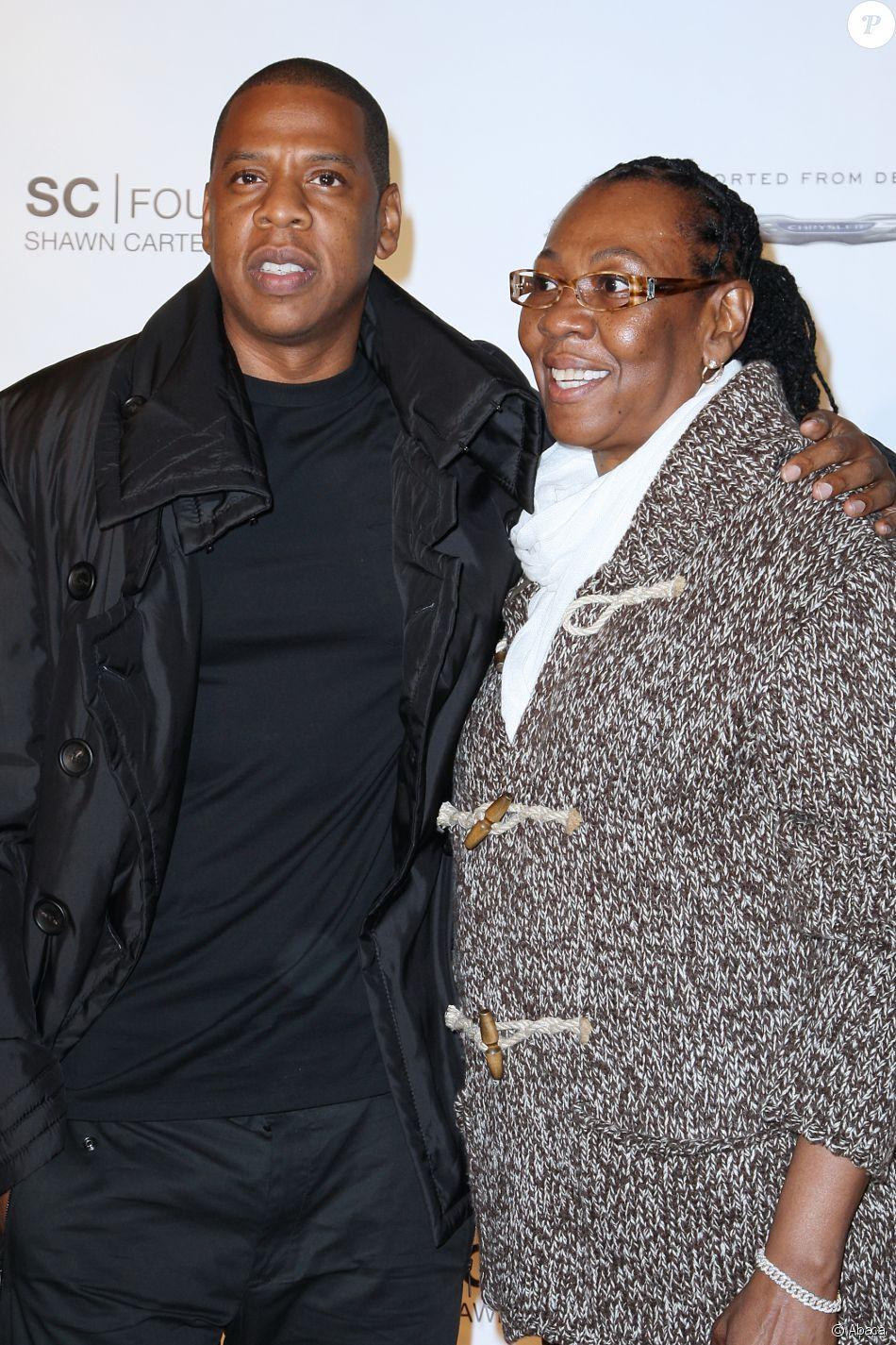 Jay-Z et sa mère Gloria Carter à la soirée de gala de la Shawn Carter Foundation à New York le 29 septembre 2011