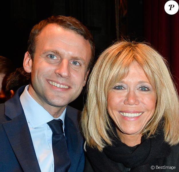 """Exclusif - Emmanuel Macron et sa femme Brigitte Macron (Brigitte Trogneux) - Représentation de la pièce """"Pleins Feux"""" au théâtre Hébertot à Paris le 2 février 2017. © Coadic Guirec/Bestimage"""