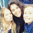 Clémence Bertrand, la compagne de Luacs Puille, partage une photo avec  Noura El Swekh, la compagne de Jo-Wilfried Tsonga, sur Instagram le 17 septembre 2017, après la victoire de l'équipe de France en demi-finale de Coupe Davis contre la Serbie.