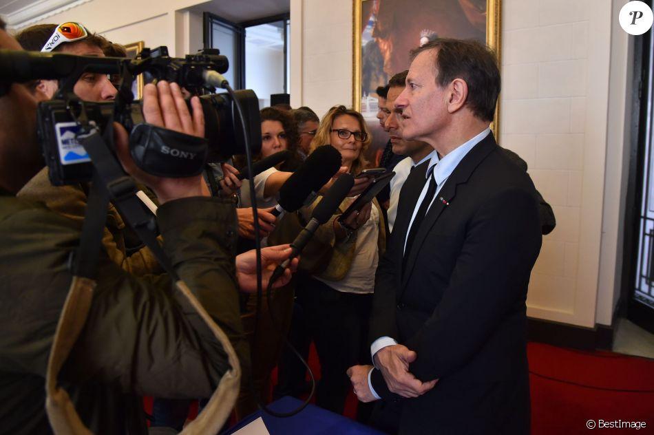 Francis Huster lors de la conférence de presse afin d'annoncer la création d'une troupe de théâtre le 2 mai 2016, à la mairie de Nice. ©Bruno Bebert / Bestimage