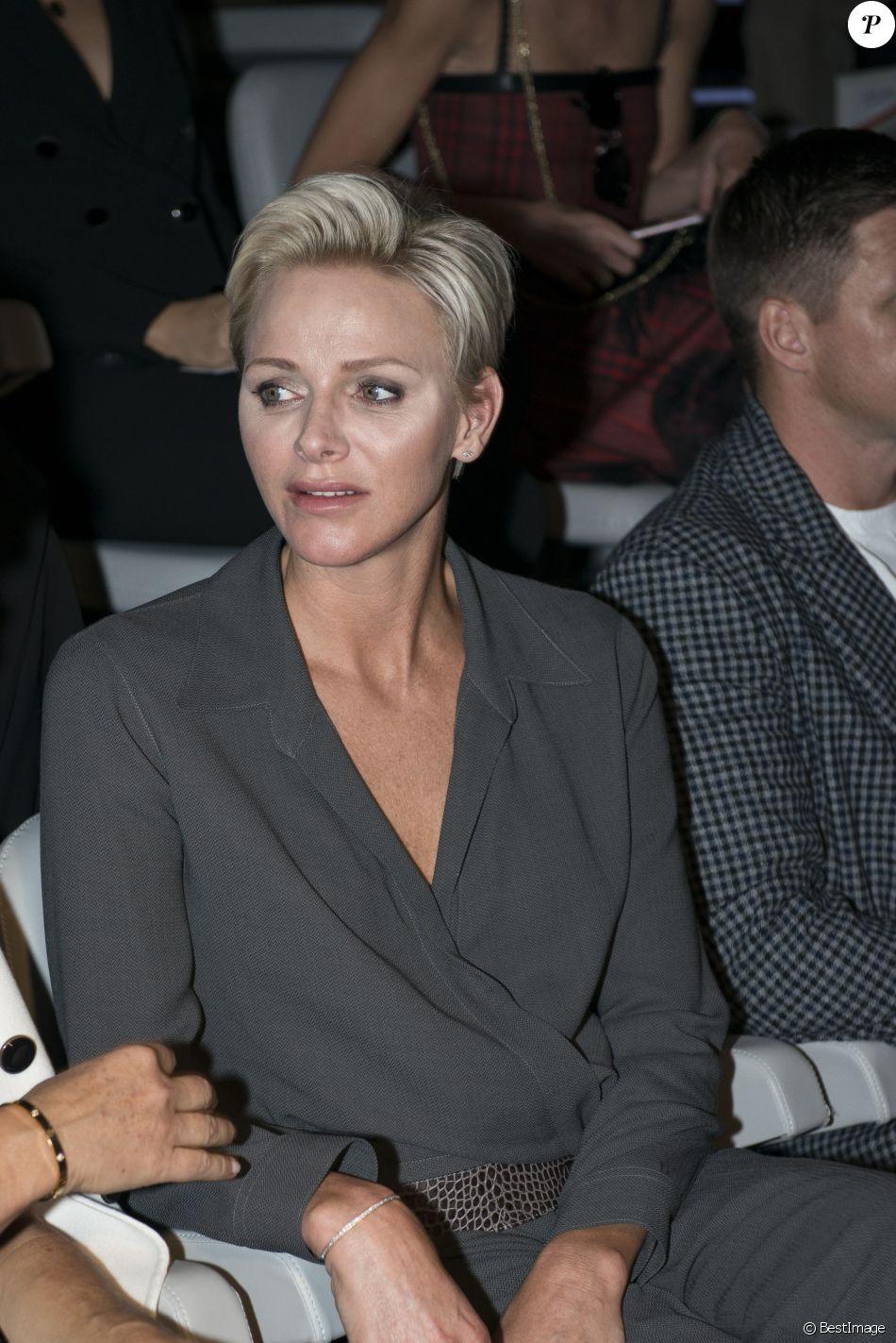 La princesse Charlene de Monaco lors du défilé de mode ...